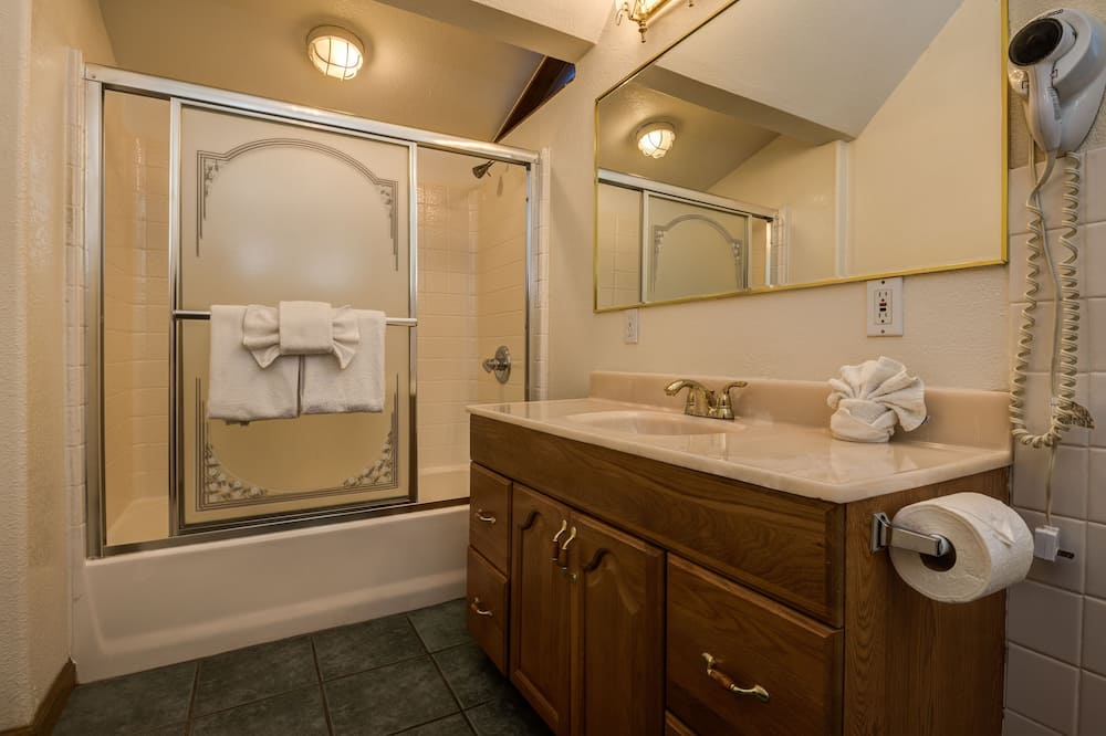Kućica (Two Beds) - Kupaonica