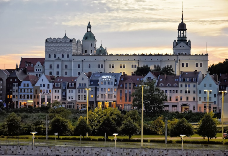 Hotel Zamek Centrum, Szczecin, Hotellets front