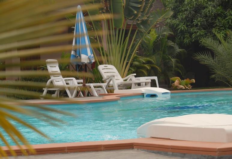 拉爾度假酒店, Hua Hin, 室外泳池
