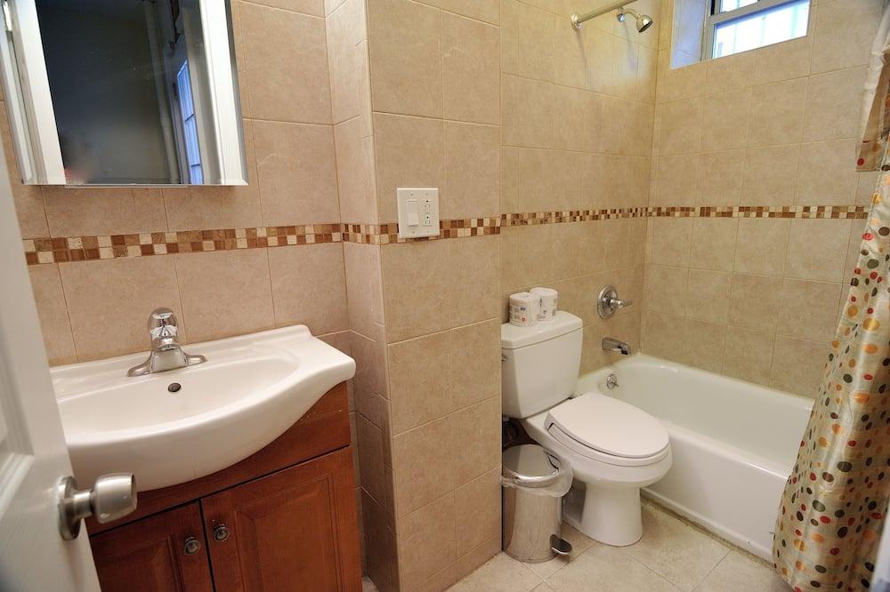 Δίκλινο Δωμάτιο - Μπάνιο