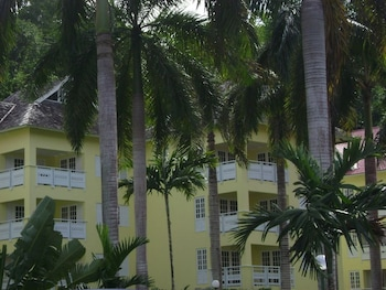 Foto van Condos At The Ridge in Ocho Rios