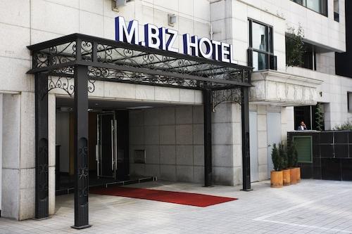 M.BIZ