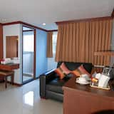 Room (Star) - Living Area