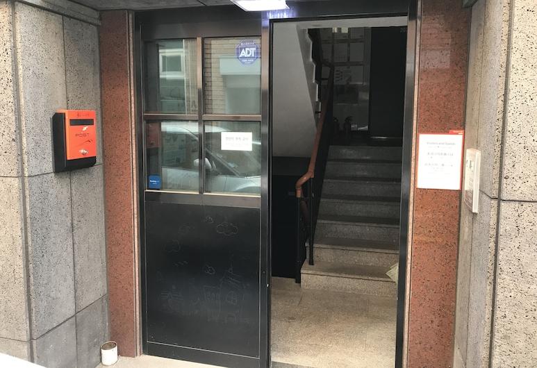 호스텔 KW 신사, 서울특별시