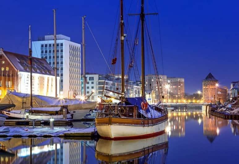 Marina Club Hotel, Gdansk, Pohľad na hotel – večer/v noci