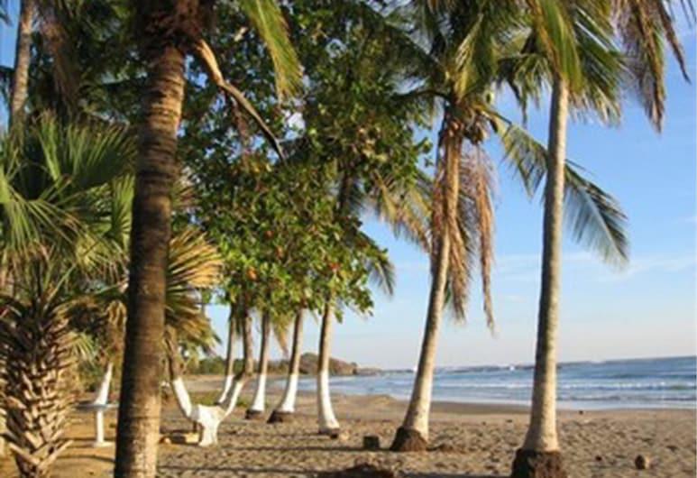 Guacamaya Lodge, Veintisiete de Abril, Paplūdimys