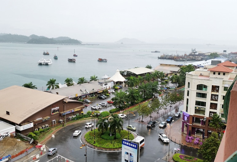 KK Marina Court Resort Vacation Condos, Kota Kinabalu, Baras