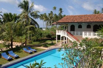 Foto do Wunderbar Beach Hotel em Aturuwella