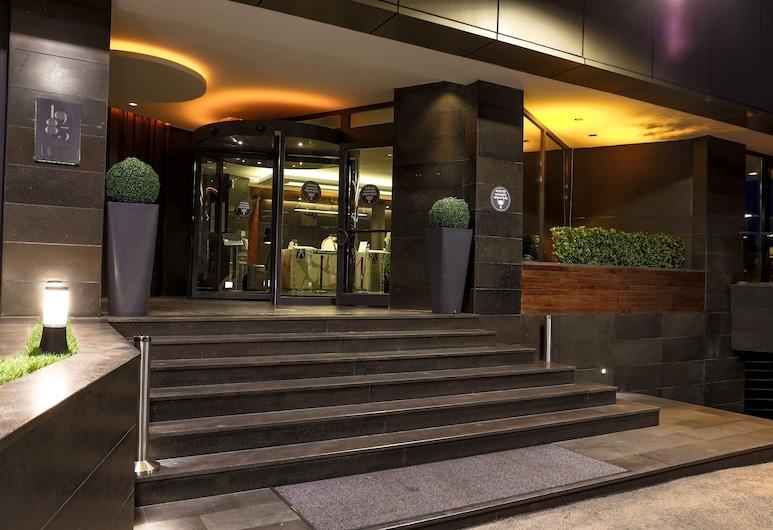 Hotel Anatolia, Bursa, Fachada del hotel de noche
