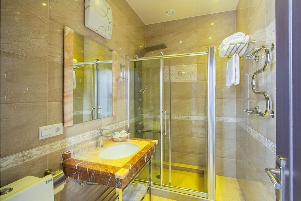 Panoramic Suite, 1 Bedroom, Balcony - Bathroom