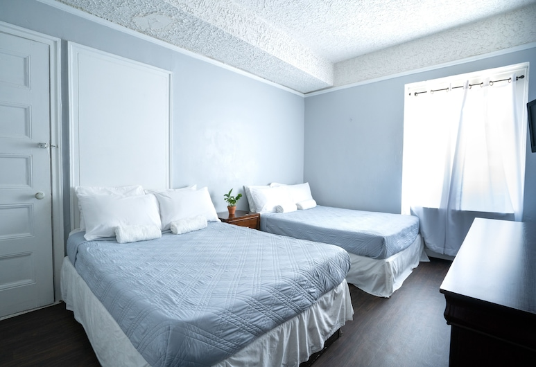 Green Point YMCA, Brooklyn, Family Quadruple Room, 2 Double Beds, Guest Room