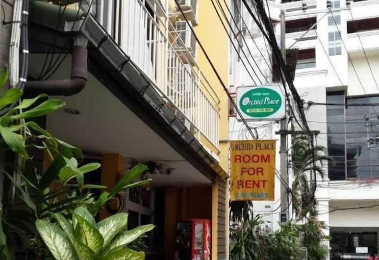 Orchid Place, Bangkok, Façade de l'hôtel