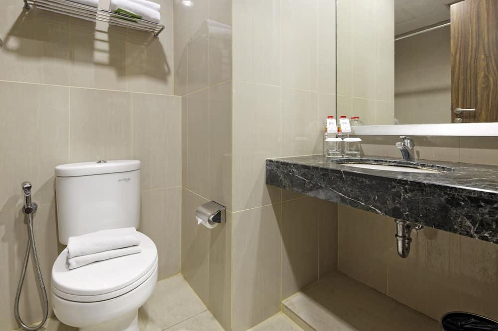 Habitación superior con 2 camas individuales, 2 camas individuales - Cuarto de baño