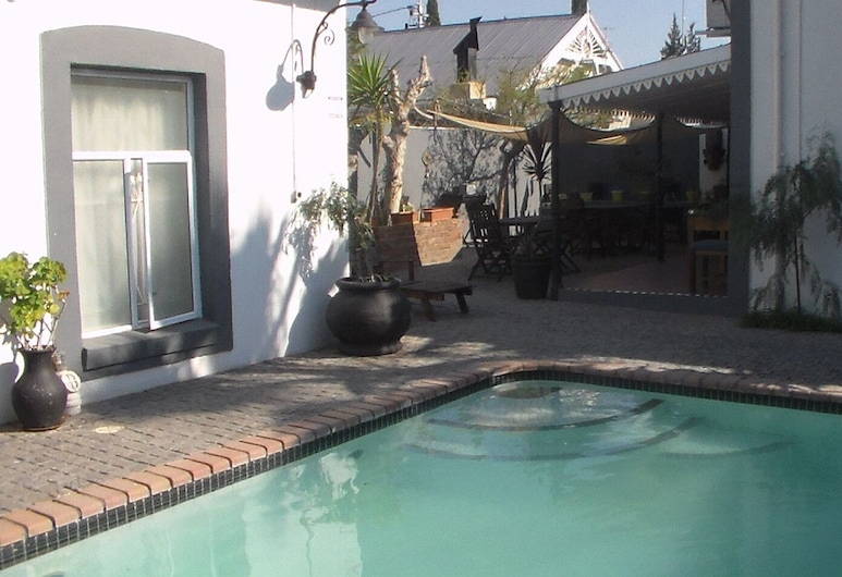 The 3 Chimneys Guest House, Beaufort West, Lauko baseinas