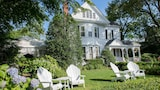 Reserve this hotel in Edgartown, Massachusetts