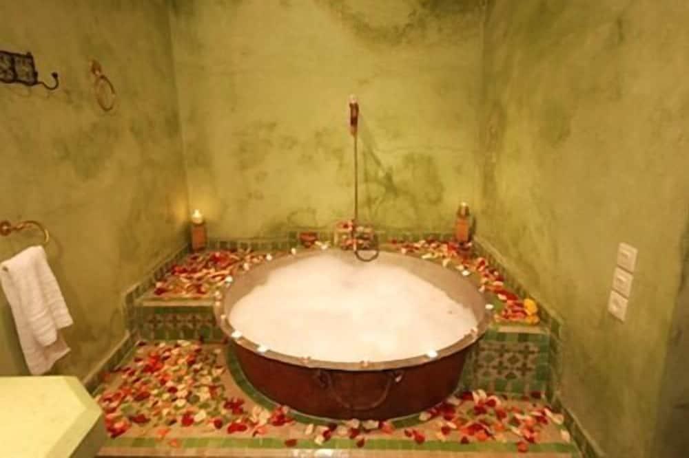 House, 3 Bedrooms - Bathroom