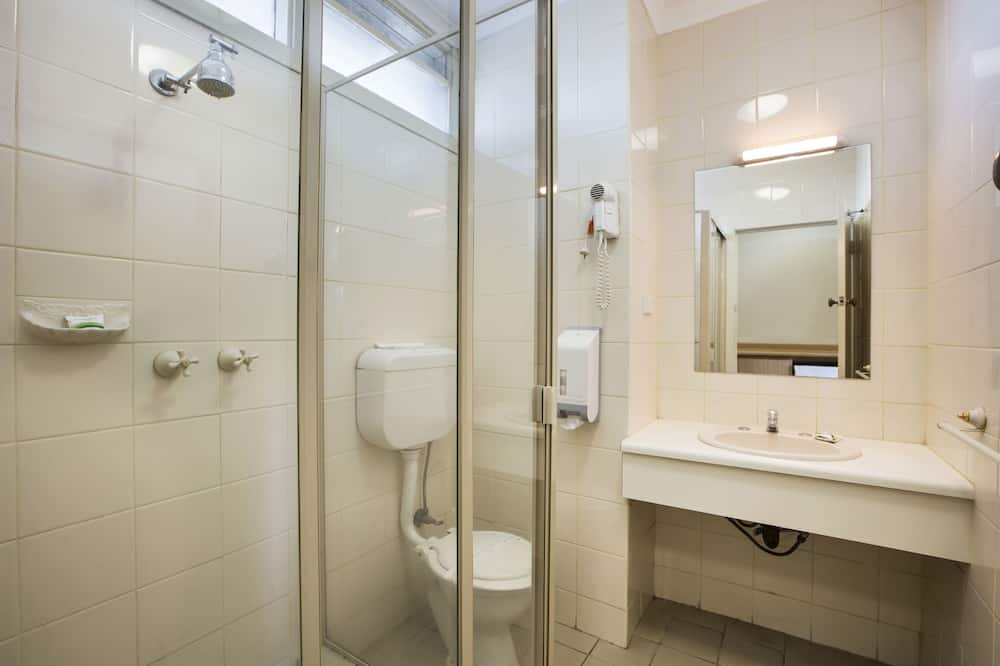 Economy Room (Queen & Single) - Bilik mandi