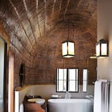Luxury Chalet, 1 King Bed, View (Thached Chalet, Outdoor Shower) - Bathroom