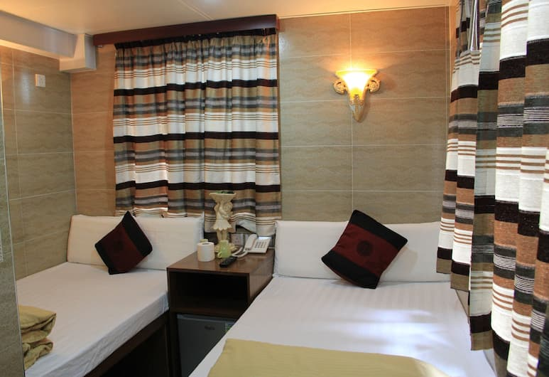 New Tokyo Hostel, Kowloon, Triple Bed Room (Double & Single Bed) , Guest Room