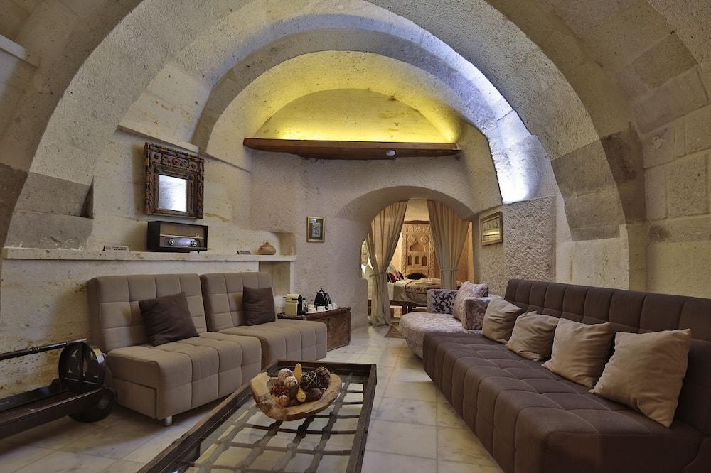 Cave Suite - منطقة المعيشة