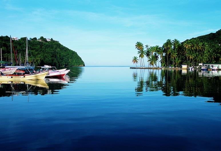 Mango Beach Inn Apartments and The Boat House Studios, Marigot Bay, Paplūdimys