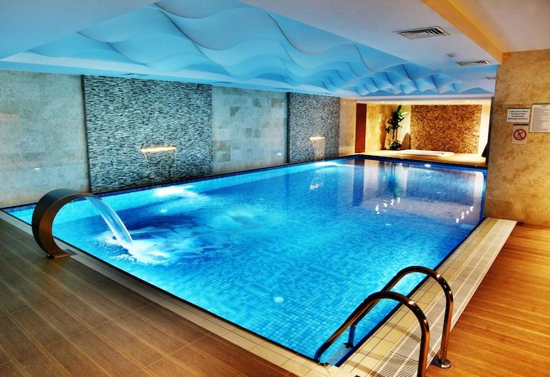 Holiday Inn Ankara - Cukurambar, Ankara, Pool