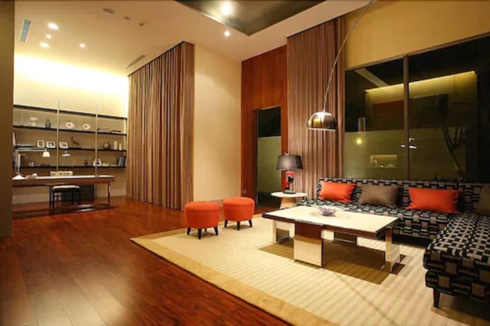 Garden view Suites - Living Area