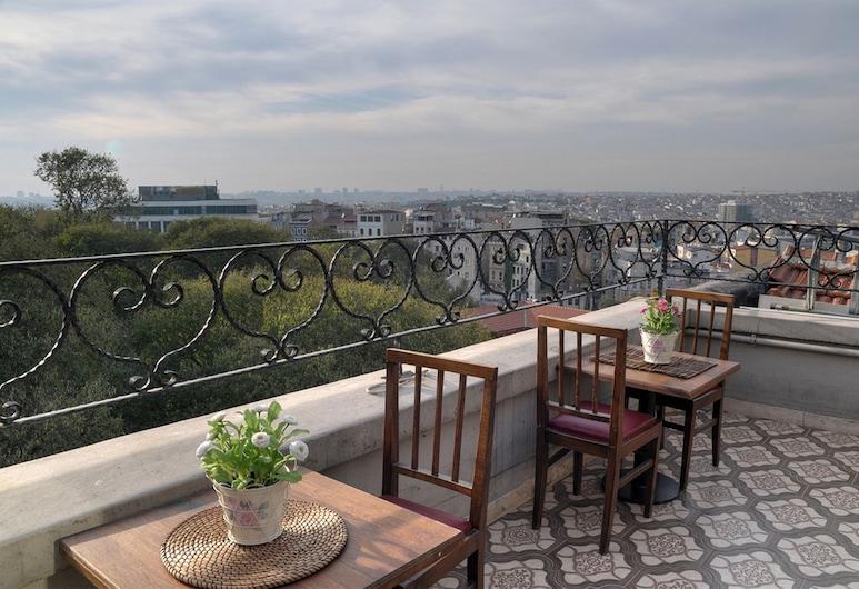 Nine Istanbul Hotel, Istanbul, Hiên