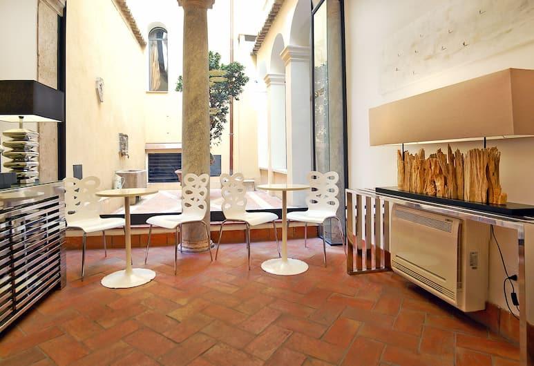 Navona Luxury Apartments, Rome, Lobby