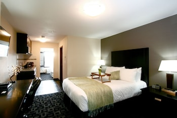 Picture of Foxwood Inn & Suites in Drayton Valley