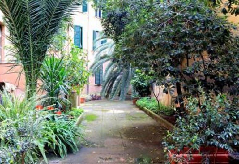 Karol Apartment Rome, Rome, Garden