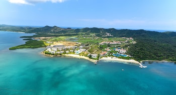 Picture of Pristine Bay Resort in Roatan