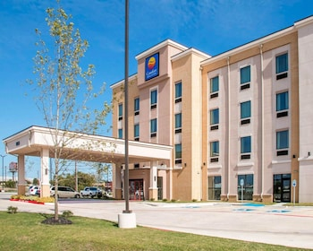 Picture of Comfort Inn & Suites in San Marcos