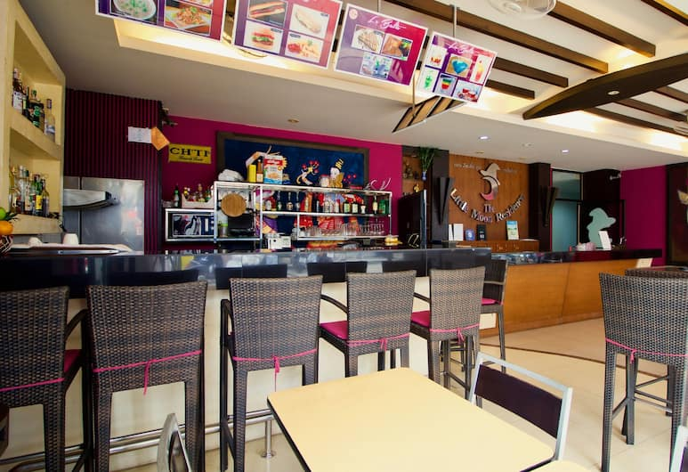 The Little Moon Residence, Patong, Hotelbar