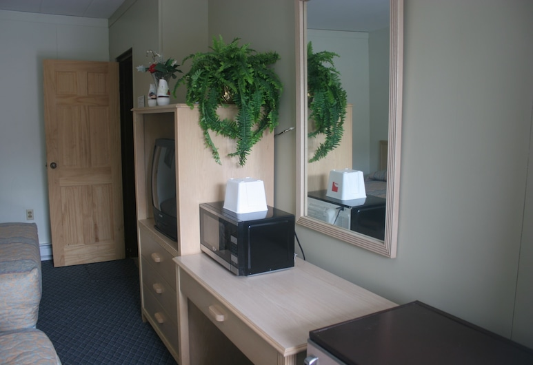 Fountain Inn, Van Wert, Suite, Bilik Tamu
