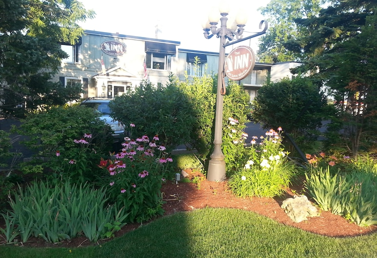 The Inn at Lock Seven, Thorold, Property Grounds