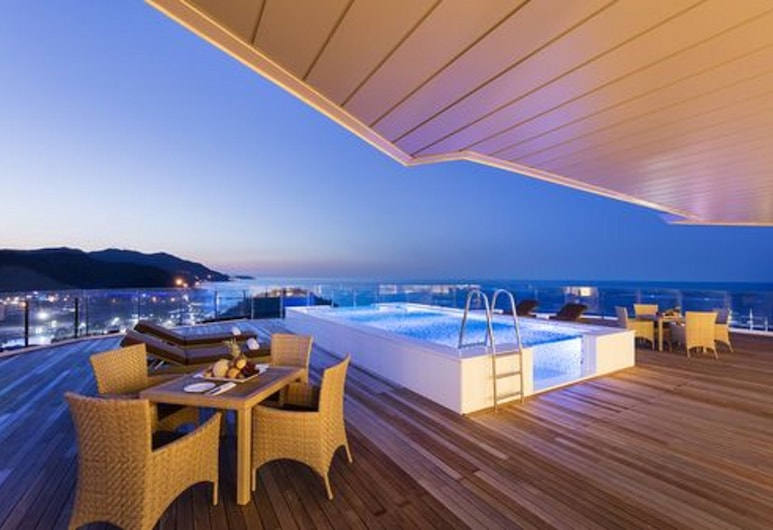 Sun Cruise Resort and Yacht, Gangneung, Superior-svíta (Pool Villa, Private Heated Pool Acces), Verönd/bakgarður