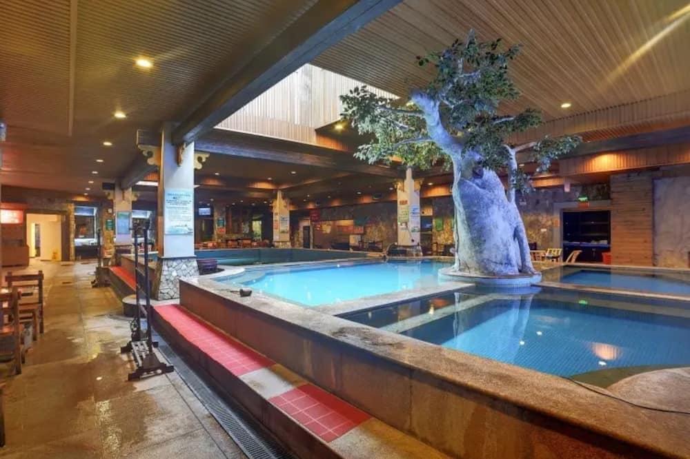 Yuelai Hot Spring Hotel Putian