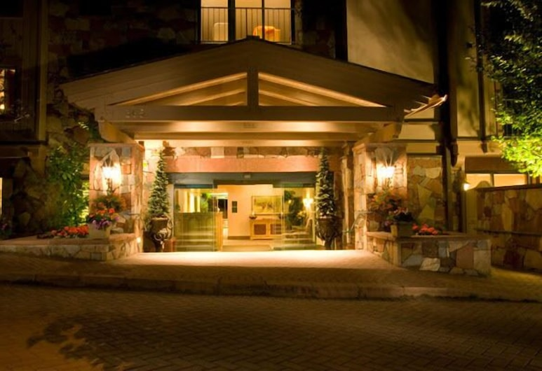 The Galatyn Lodge, Vail, Hotel Front – Evening/Night