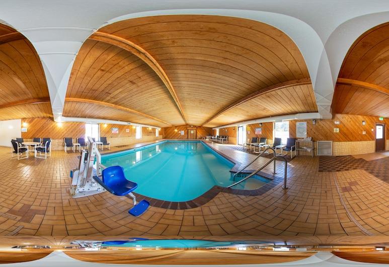 Econo Lodge Inn & Suites, Wisconsin Dells, Vidaus baseinas