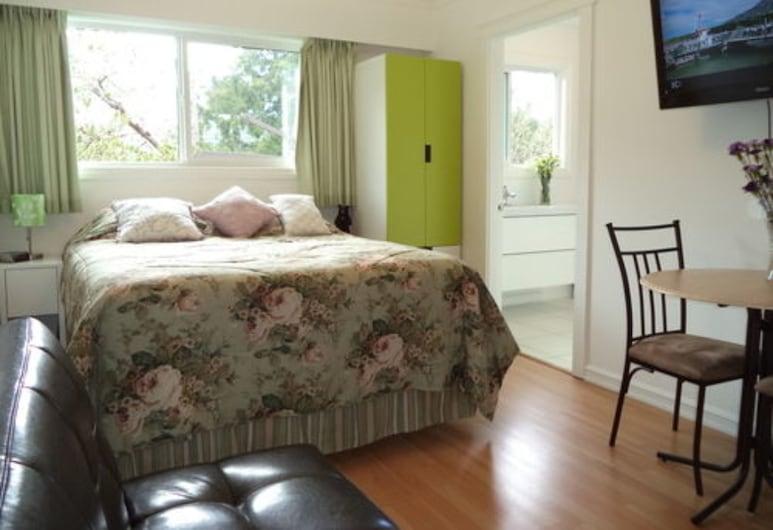 Enchanted Rainforest Guesthouse, Prins Rupertas, Kambarys (Queen Room Ensuite Bath), Svečių kambarys