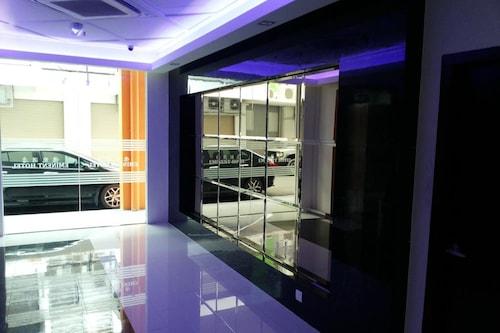 โรงแรมเอมิเนนท์/