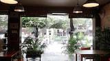 Foto di The Rainforest Guesthouse & Cafe a Bangkok