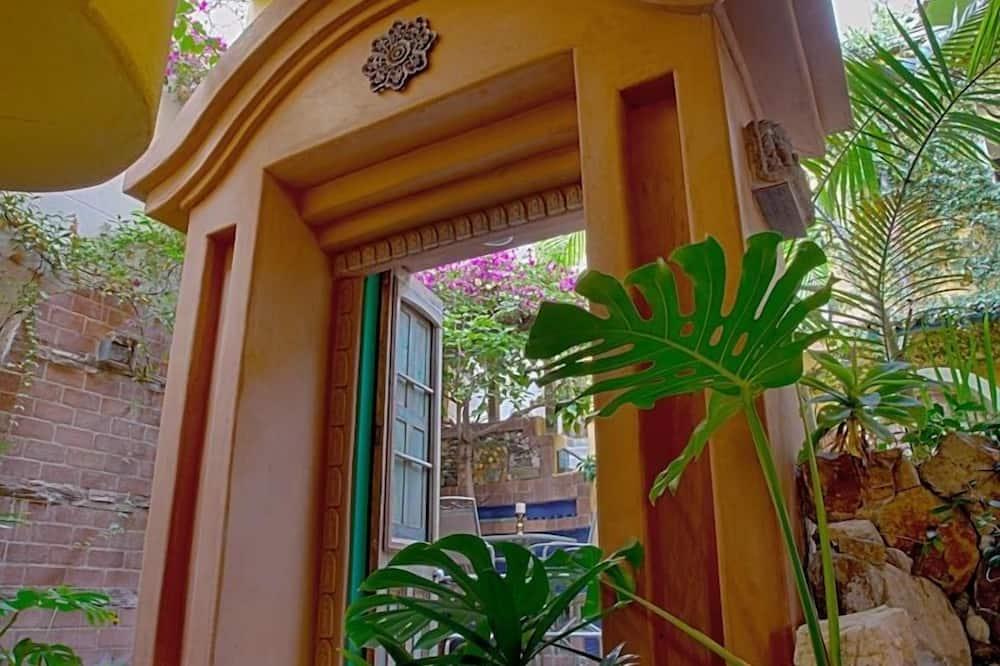 Secret Garden Inn