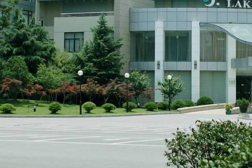 Zaishuiyifang Hotel