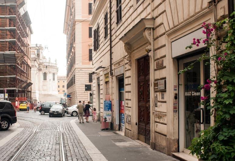 Il Sesto Suites Central, Rom, Bahagian Luar