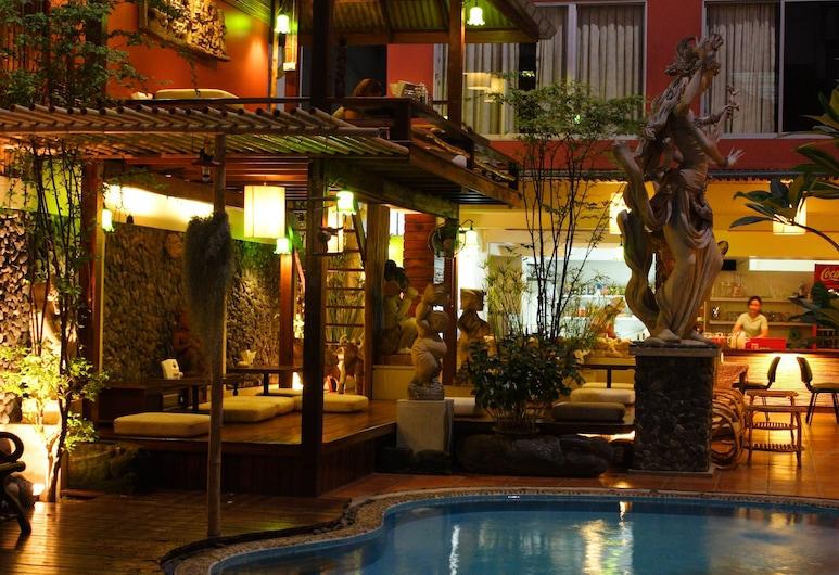 Villa Cha Cha Banglumphu, Μπανγκόκ, Εξωτερικός χώρος