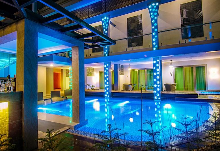 Eloisa Royal Suites, Lapulapu, Lauko baseinas