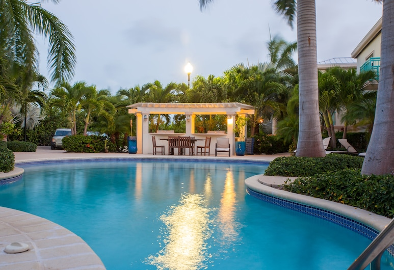 Caribbean Diamond Residence, Providenciales, Pool