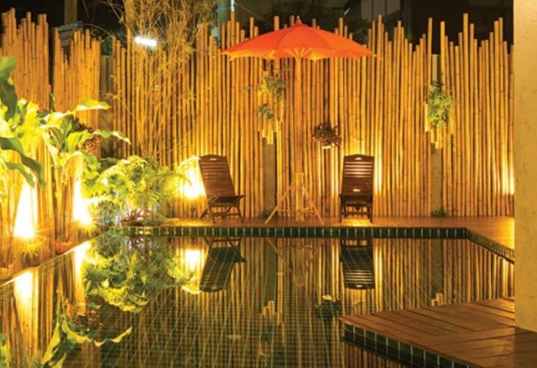 Green Tiger House, Čiangmajus, Lauko baseinas